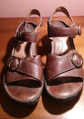 women's size 10 brown leather Born sandals
