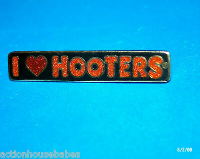 Hooters Restaurant Collectable Girl Sign Enamel Lapel Pin (I Love Hooters)