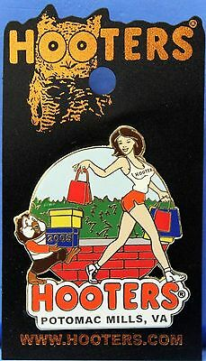 Hooters Restaurant Collectable Enamel Shopping Girl Potomac Mills Va Lapel Pin