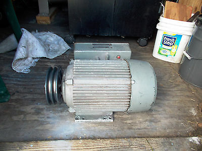 5 HP  ELECTRIC MOTOR  , 230 volts 1 PHASE  1725 rpm  USED