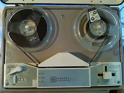 Vintage General Electric Solid State Reel to Reel Portable Tape Recorder w/Mic