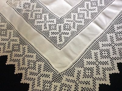 "GORGEOUS ANTIQUE WHITE IRISH LINEN TABLECLOTH ~ DEEP LACE DETAIL ~ 55""x53"""