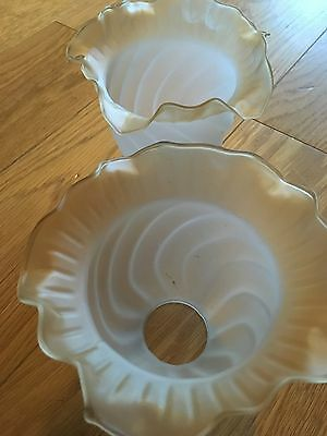 Art Deco Frosted Glass Frilled Light Lamp Shades Pair Vintage