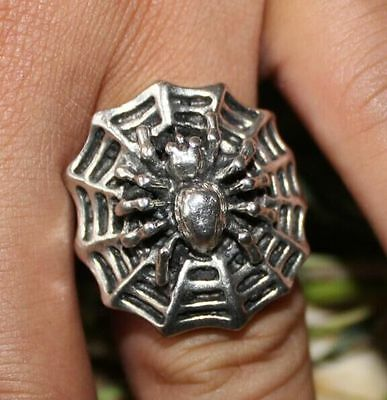 Chinese  Hand-Carved Miao Silver Ring -- spider