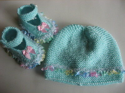 Hand knitted baby hat & booties to fit 3-6 months