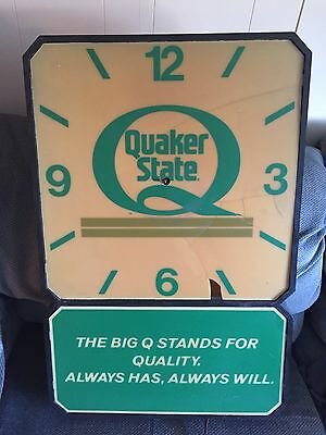 Vintage Quaker State Clock / Light  Garage Auto Large SEE PICTURES