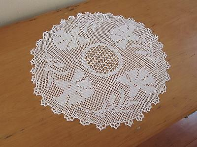 Vintage Doily Carnations Filet Crochet