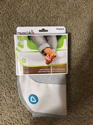 Munchkin Protect Booster Chair Cover Grey Brand New ! Free Shipping !
