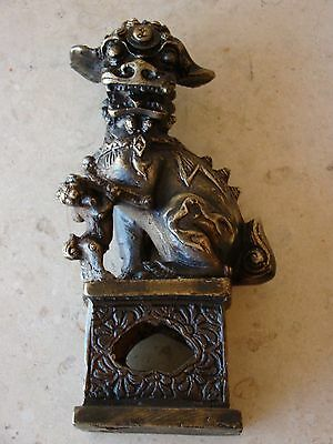 "Antique/Old Vintage Bronze/Brass Decorative Foo Dog with Baby   6 5/8""Tall"
