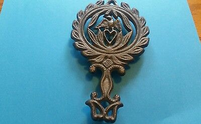 One Antique Griswold Cast Iron  1736 Trivet Eagle and Heart