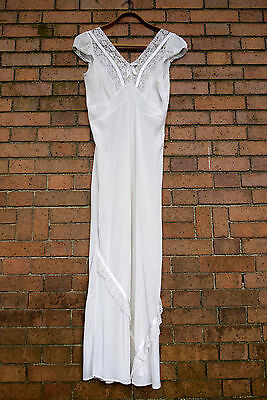 Vintage1940s Bias Cut Nightgown Lingerie Femicraft for Imperial Size 40