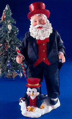 Retired 2006 Clothtique Possible Dreams *steppin' Out* Santa W/ Penguin