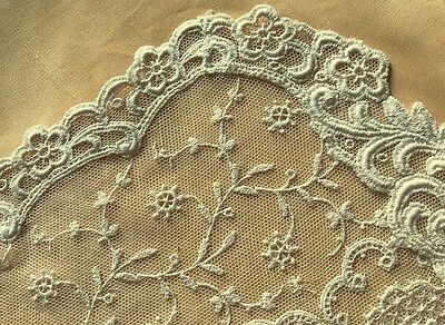 Old Vintage Exceptional White Brussels Princess Lace Pattern Doily Embroidery on