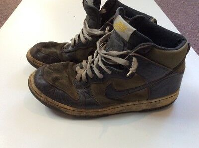 Men's Used Worn Trashed Nike Sneakers Shoes Size 11