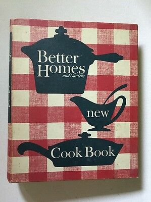 1962 Better Homes & Gardens New Cookbook 5 Ring Binder Illustrated 400 pp. Clean