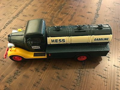 Hess toy gas truck / collectible / advertising / gas and oil / 1980 / coin bank