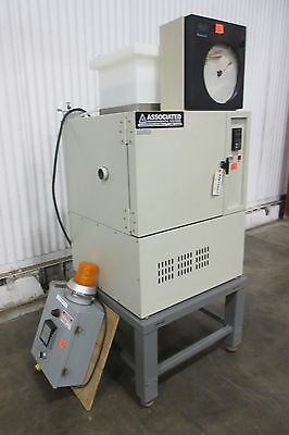 Associated Environmental Benchtop Temperature & Humidity Chamber - Used -AM15853
