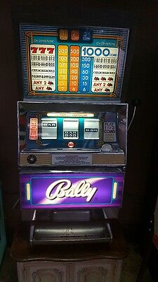 1960's 25 cent BALLY SLOT MACHINE ~ WORKS GREAT