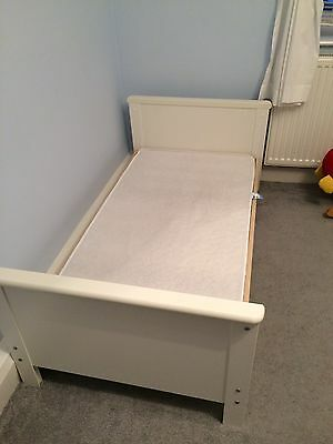 Murano Mamas And Papas Cot Bed White And Beige