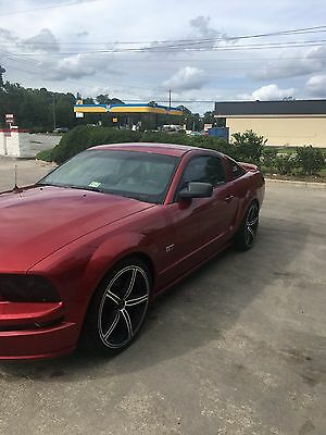 2005 Ford Mustang  2005 mustang gt