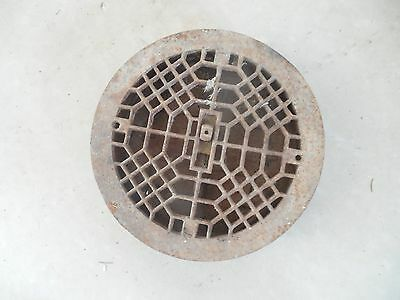 "VTG Org 9 1/2"" Round Cast Iron Heating Grate 3 Louver"