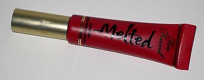 "Too Faced : "" Melted - Rouge A Levres Fluide Longue Tenue "" Ruby"