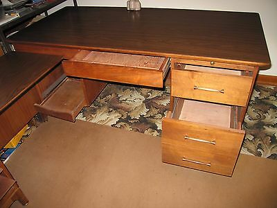 Office Furniture: Desk, Credenza And Chair
