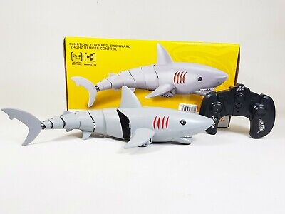Radio Control 6653 4CH RC Speed Boat Stealth Hovercraft with Water & Land Mode