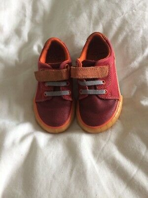 Clarks Boys Size 5 1/2f Shoes