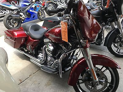 2016 Harley-Davidson Touring  2016 Harley Davidson Street Glide Special ,velocity red ,like new save big $$$