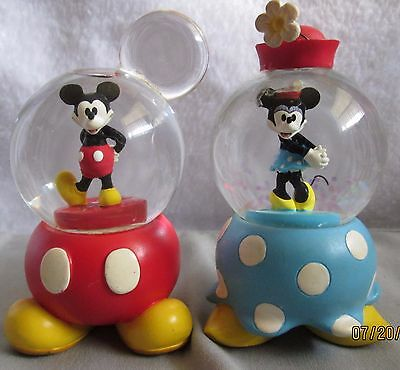 RARE vintage Mickey and Minnie mouse mini snowglobe pair