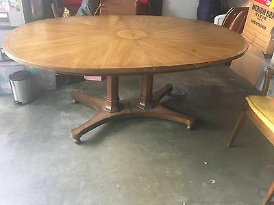 Thomasville Chair Co. Dining room table 1959 copyright