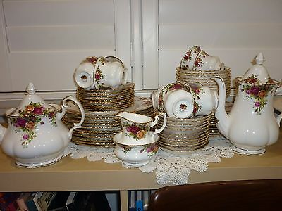 Royal Albert Old Country Roses 73 Pc Dinner Set 12 Place Coffee & Teapot *pickup