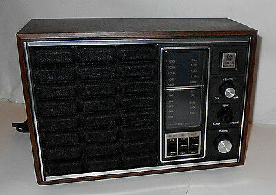 VINTAGE GE General Electric AM-FM Table Top Transistor Radio 7-4150A, WORKING !