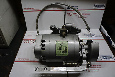 Vintage Consew 103 Cap-Ds1 Clutch Motor Industrial Sewing Machine  Video Watch
