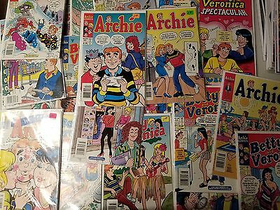 Archie Comic Lot Of 22 Mix Betty And Veronica Fine+