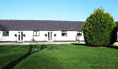 ONE BED HOLIDAY COTTAGE BARGAIN - 7 nights SATURDAY 29th JULY  Bargain 275.00!!!