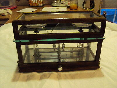 Vintage Apothecary/Pharmacist Scale