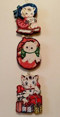 THREE KITTEN CATS SLED & PRESENTS CHARMS GLITTER CHRISTMAS ORNAMENT Vtg Card
