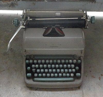 Vintage REMINGTON RAND STANDARD Desktop TYPEWRITER SUPER-RITER Beige c.1950s