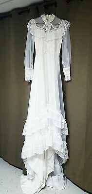 vintage white wedding dress gown with lace ruffles size 10 fits small