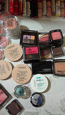 Lot mixte maquillages très peu abîmés catrice,astor,essence,manhattan...