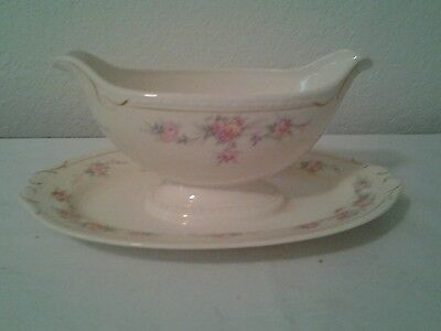 Georgian Eggshell Gravy boat with attached Underplate