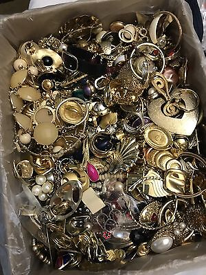 Crafting Jewelry Lot Secondhand Pieces Lots Of Gold Tone