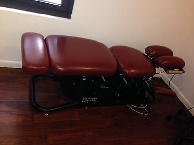 Ergostyle ES 2000 Chiropractic table