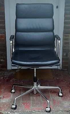Charles & Ray Eames EA219 highback softpad chair black leather / chrome by Vitra