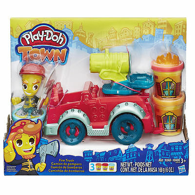 Hasbro Play-Doh Town FIRE TRUCK Toy Playset with Modeling Playdoh Cans & Figure