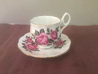 Vintage Crown Bone China England Teacup And Saucer With Roses And Gold Trim