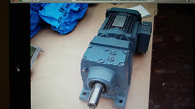 Motor Gearbox by SEW Eurodrive R47DRN90S4 1455 /90 rpm 230 /400 volt
