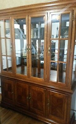 Solid Wood Kitchen Cabinet Hutch with Lighting!!! LOCAL PICK UP ONLY 19154